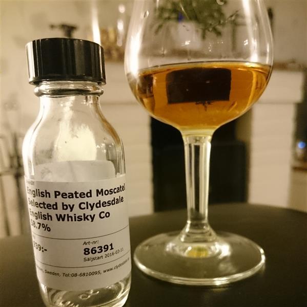 englishwhisky_peatedmoscatel